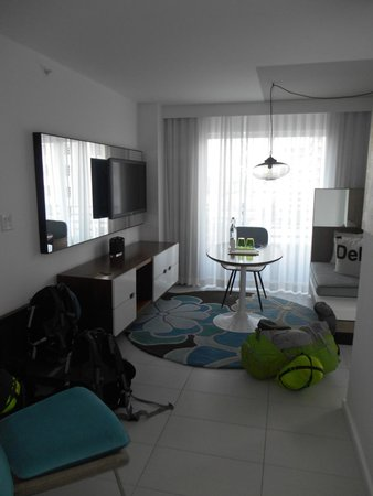 Royal Palm South Beach Miami, A Tribute Portfolio Resort: Camera - salottino