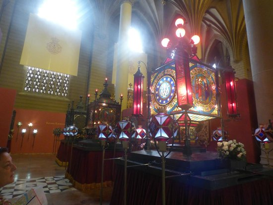 Museo de los Faroles y Rosario de Cristal: Rosario de Cristal