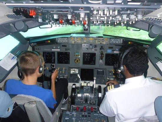 Flightdeck Experience: Captain Jack at the Controls!