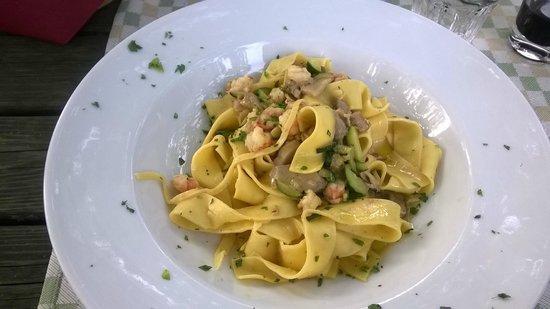 Osteria la Subida: Pappardelle con gamberi, zucchine e porcini
