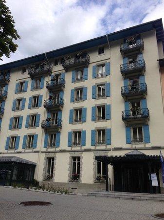 Hotel Mont-Blanc: vue hotel entrée