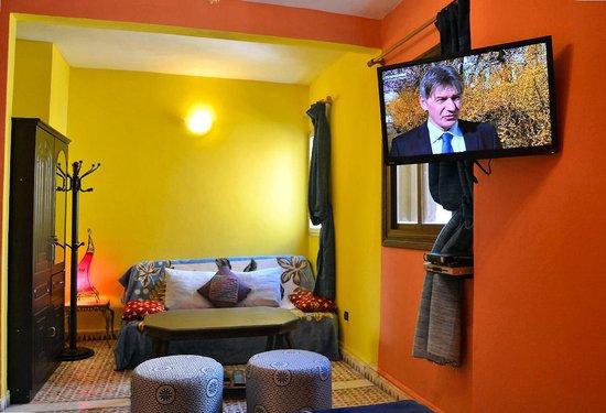 "Maison d' Hotes de la Cite Portugaise d'El Jadida : La ""Royale"" qui dispose d'un sofa clic-clac"
