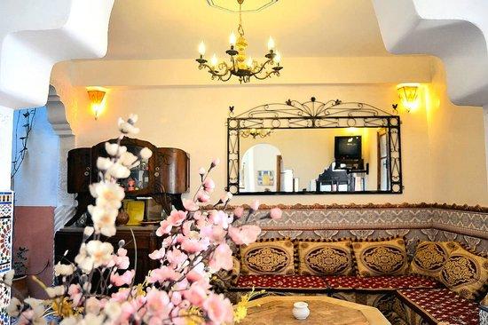 Maison d' Hotes de la Cite Portugaise d'El Jadida : L'espace Salon en rez de chaussée