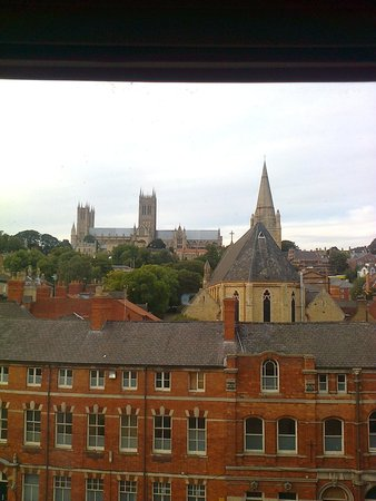 Premier Inn Lincoln City Centre Hotel: Room 435 Looking out over Broad Gate Street