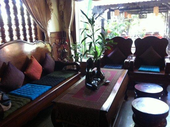 Golden Mango Inn: Lobby