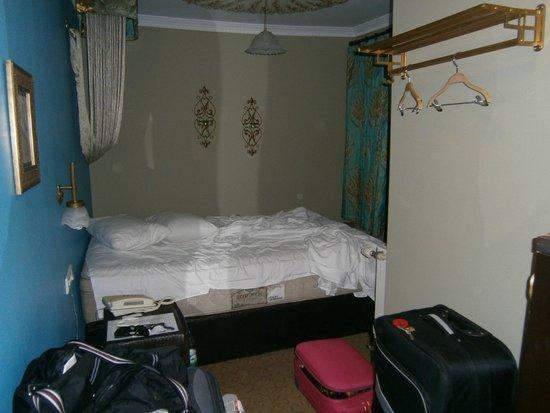 Modern Sultan Hotel : Stanza 302