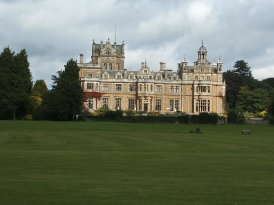 Warner Leisure Hotels Thoresby Hall Hotel: VIEW FROM THE GROUNDS
