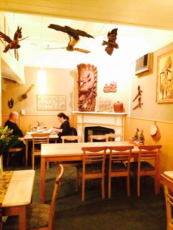 Indonesia Restaurant: Nice cozy place and wonderful staff