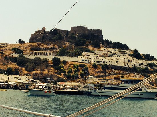 Atlantica Princess Hotel: Lindos boat trip ( 'Discovery') very cheap, refurbished boat! Swim stop on way to n from & 2.5 h