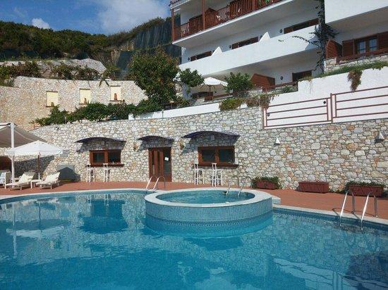 Magic Hotel: Zona piscina