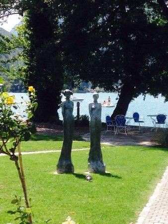 Auberge du Pere Bise : Magnifique jardin!
