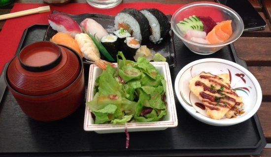 Doozo Art Books & Sushi: Sushi Bento
