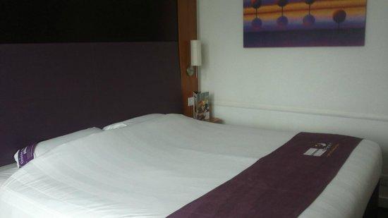 Premier Inn Newcastle City Centre (New Bridge Street) Hotel: Fresh clean modern room