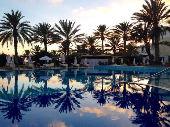 Constantinou Bros Athena Beach Hotel: Athena Beach Hotel Pool