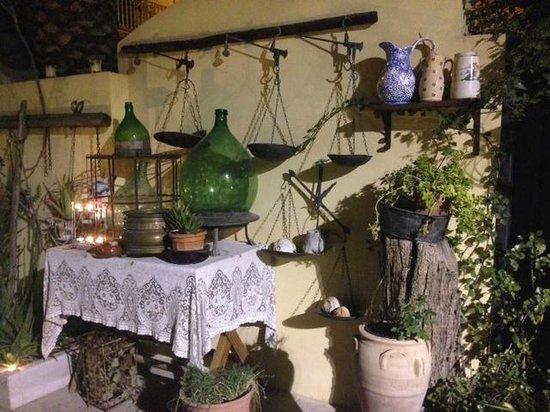 Particolare dell 39 arredo esterno picture of il giardino dei sapori san severo tripadvisor - Giardino dei sapori calvenzano ...