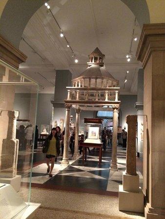 The Metropolitan Museum of Art: MET 2014