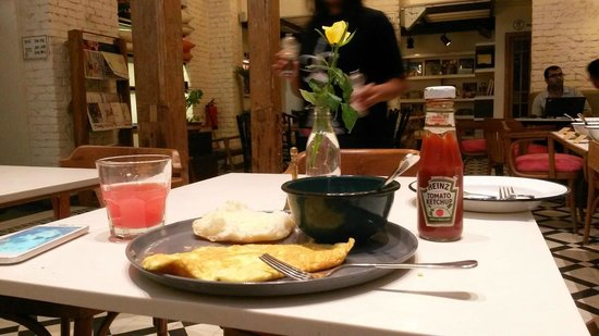 Abode Bombay: Our delicious cheese omelette