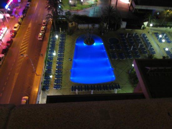 Hotel Levante Club & Spa: pool at night