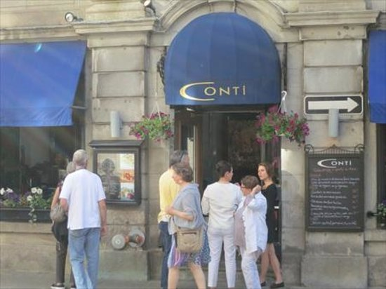 Conti Caffe: Conti's is a popular place