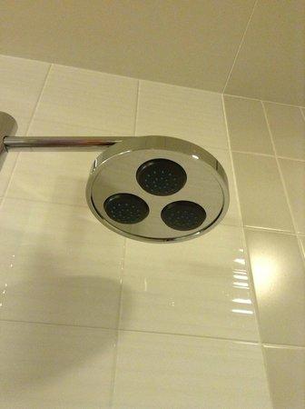 Hotel Granvia Kyoto: バスルームが贅沢!
