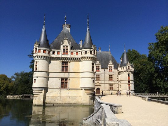 VILLE - Picture of Chateau of Azay-le-Rideau, Azay-le-Rideau ...
