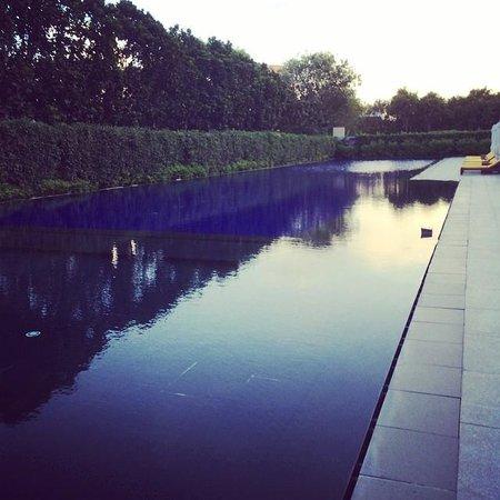 The Oberoi, Gurgaon: The pool