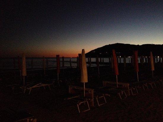Una cena sul mare foto di bagno roma marinella di - Bagno roma marinella di sarzana ...