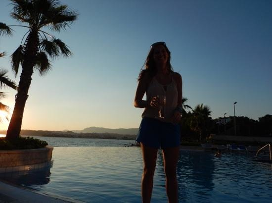 Le Meridien Lav Split : sunset by the pool