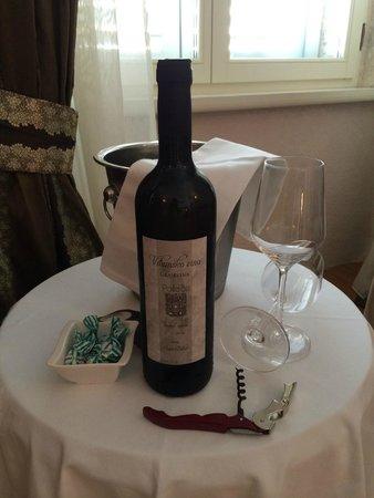 Palace Judita Heritage Hotel : offert à votre arrivée : excellente vin croate