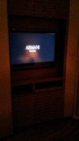 Armani Hotel Dubai: tv