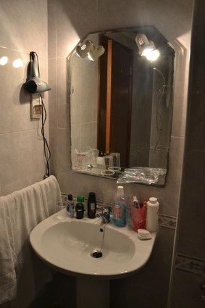 Hotel Sol Algarve : Salle de bain