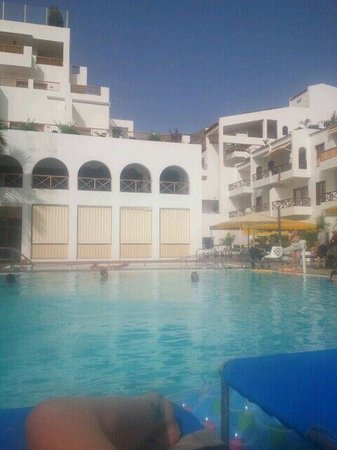 Hotel Mar y Sol : У бассейна с холодной водой