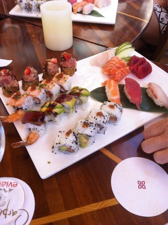 Ikibana Paralelo: Delicious food