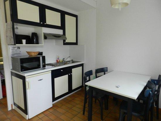 Azureva Kerjouanno : La kitchenette bien équipés