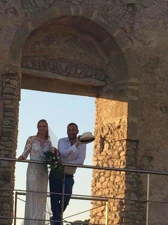 La Gioiosa Agriturismo: At the castle in Cleto