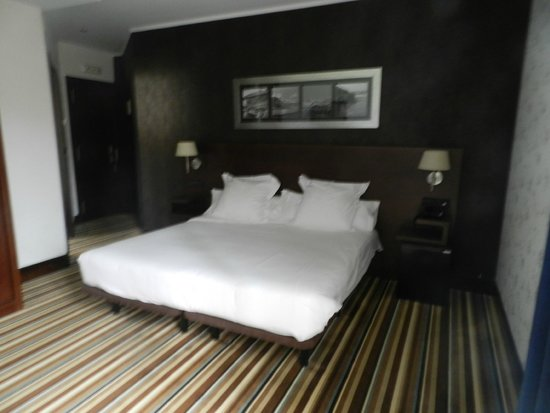 Spacious Rooms at Hotel Granda