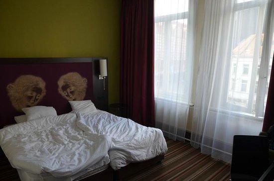Leonardo Hotel Antwerpen: номер