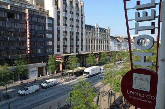 Leonardo Hotel Antwerpen: вид из номера