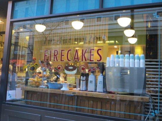 Firecakes Donuts : Façade de la boutique