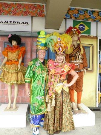 وندسور كوبا هوتل: Samba school costumers were fun