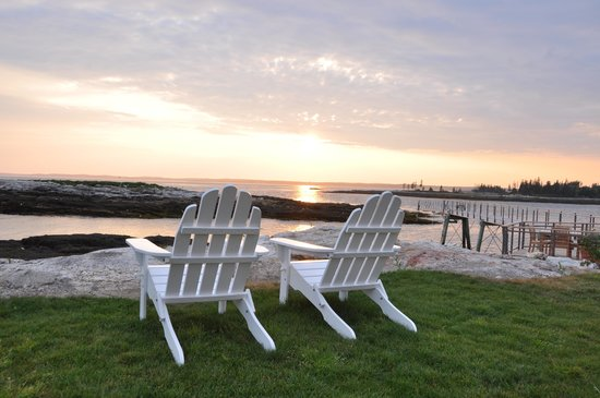 The Inn at Cuckolds Lighthouse: Sunset and time to relax