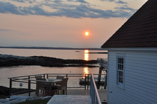 The Inn at Cuckolds Lighthouse: Sunset by the boathouse