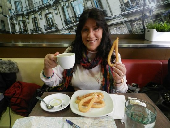 Emperador Hotel Madrid: Churros & Cafe con Leche for breakfast at Nebraska Restaurant