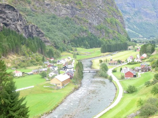 Norway in a Nutshell: Arriving into Flam
