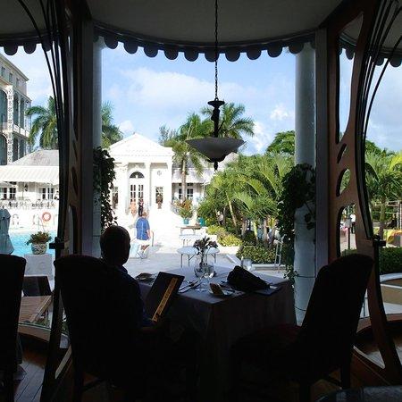 Sandals Royal Bahamian Spa Resort & Offshore Island : Baccarat