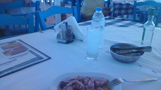 Blue Ocean Family Taverna: Uzo / ouzo /