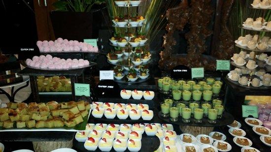 Veligandu Island Resort & Spa : The desserts mmmmm