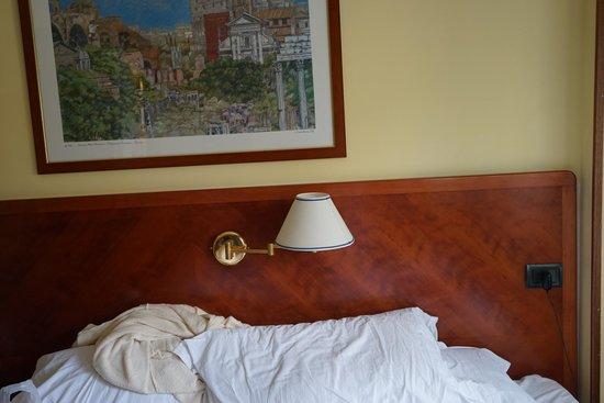 Hotel Giotto: Das einzige Licht im Zimmer