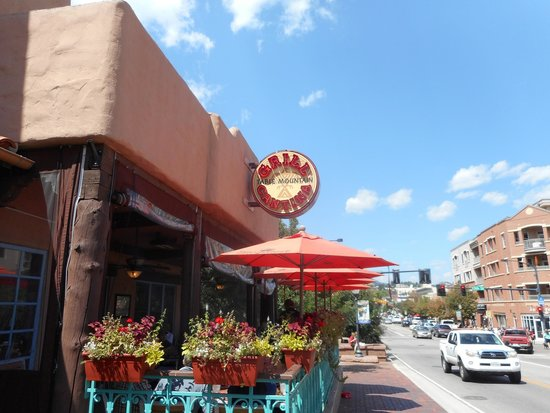 Table Mountain Grill and Cantina: Outside Dining