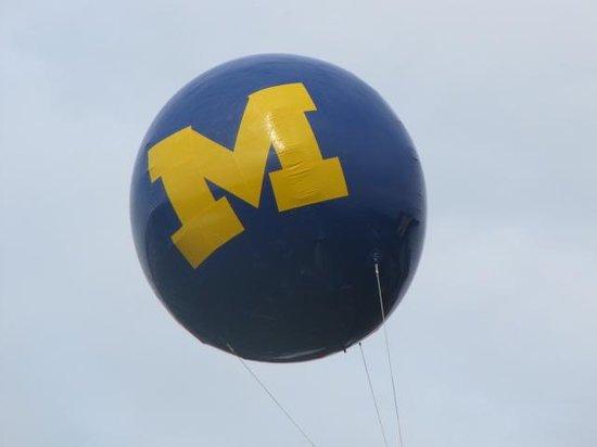 Michigan Stadium : Hail to the Victors!